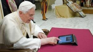 pope tweeting