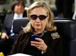 Hillary_Clinton_cellphone